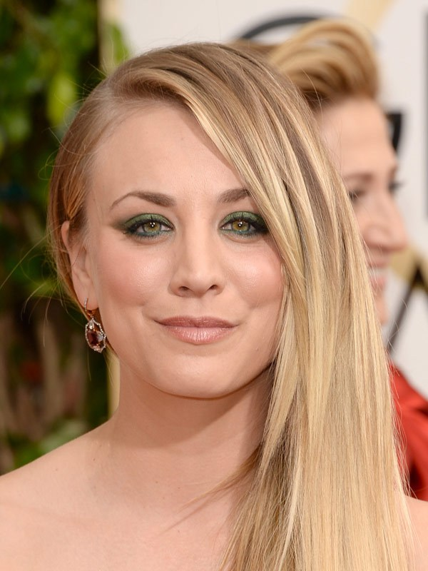 Kaley Cuoco at the 2014 Golden Globes