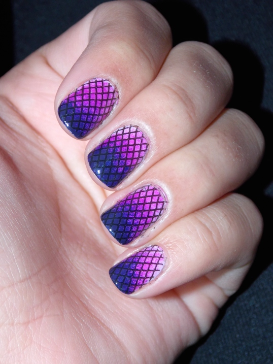 Gradient Purple Fishnet Nail Art