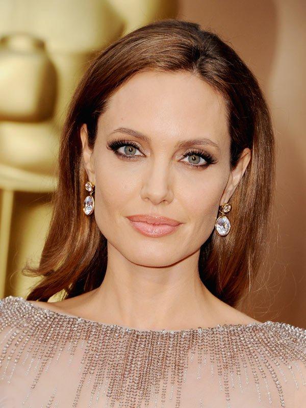 Angelina Jolie at the 2014 Academy Awards