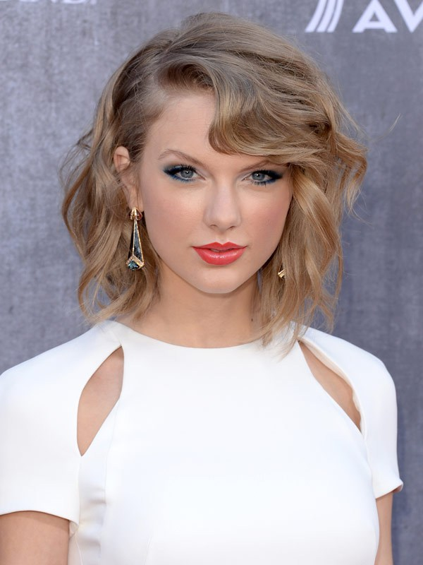Taylor Swift at the 49th Annual ACM Awards